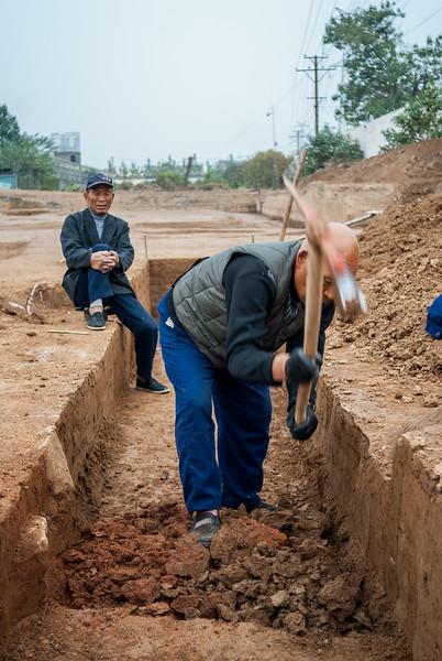 Excavation at the palace site of Yanshi Shangcheng (Tazhuang, Yanshi, Henan, CN - 11/05/13, 3:34:23 PM)