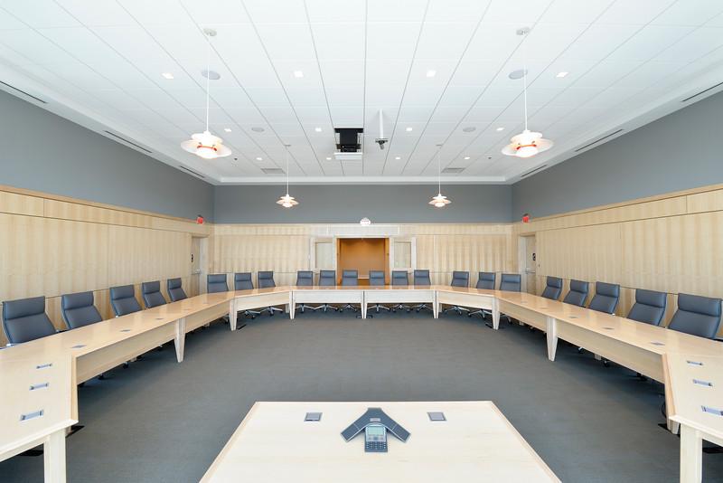 APUS Finance Center 1s, at f/19 || E.Comp:2 || 14mm || WB: AUTO 0. || ISO: 200 || Tone:  || Sharp:  || Camera: NIKON D700on: 2013:04:06 11:39:44