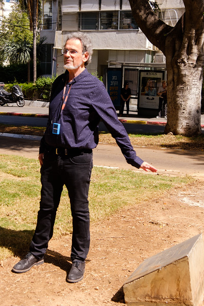 Art and Architectural Historian Prof. Michael Levin, presently Head  of the Multidisciplinary Art Department at Shenkar College of Engineering and Design, Ramat Gan, leading a Rothschild Blvd. area architecture walk