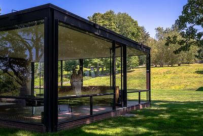 Philip Johnson -  the Glass House