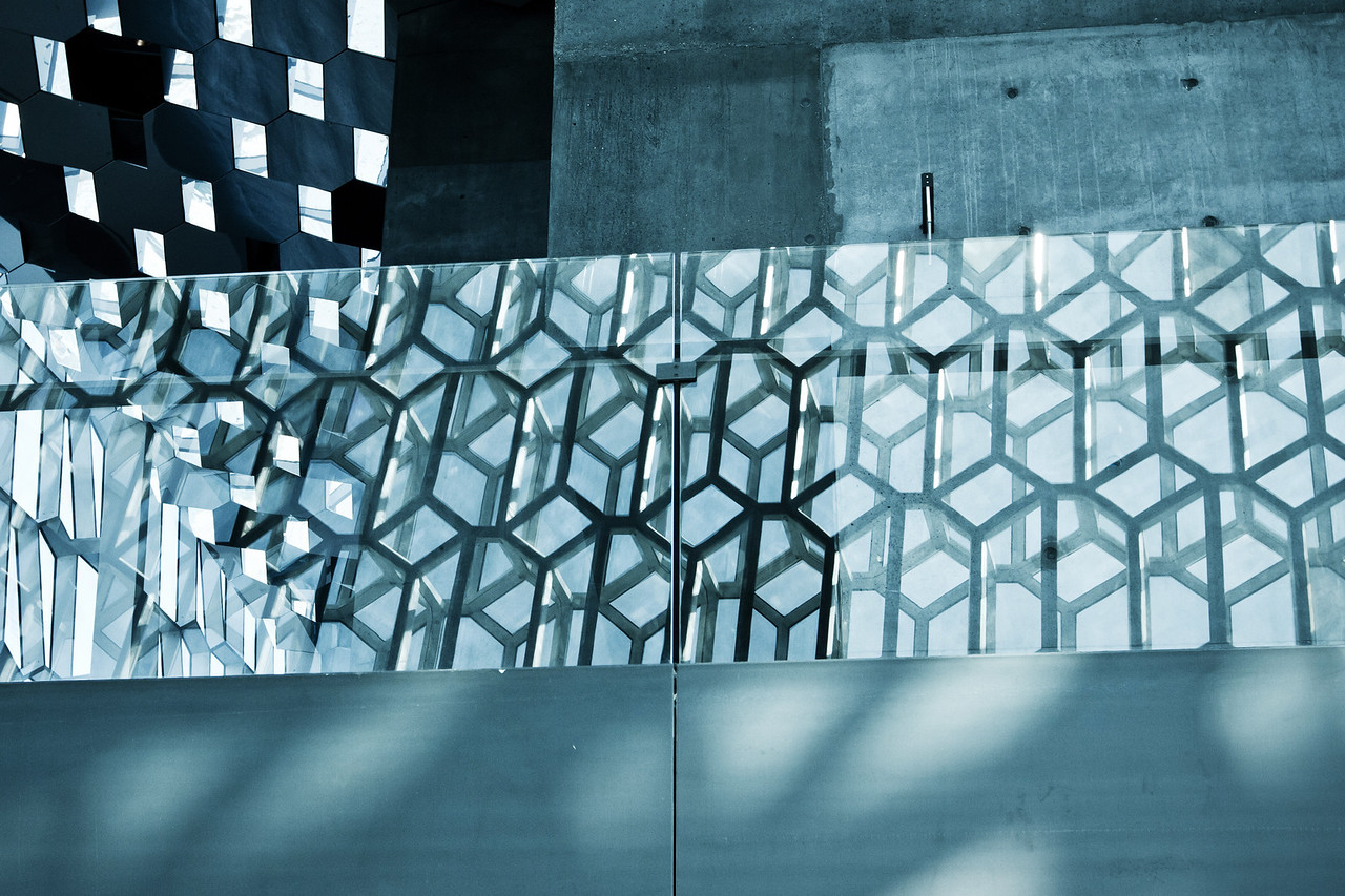 Harpa Abstract