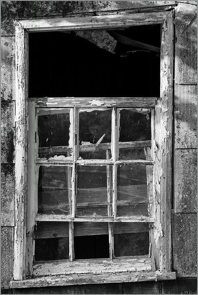 <center><i>Window, Yorkville, CA,, </i></center>#4044-7D