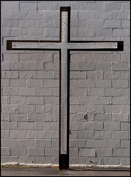 <center><i>Cross Against the Wall</i>, #1584-7D</center>