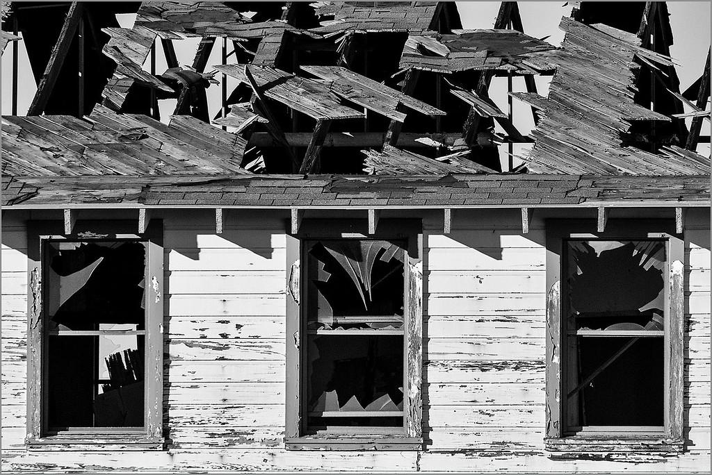 <center><i>Mare Island Chaos (Windows Into Devolution)</i></center>#3813-7D