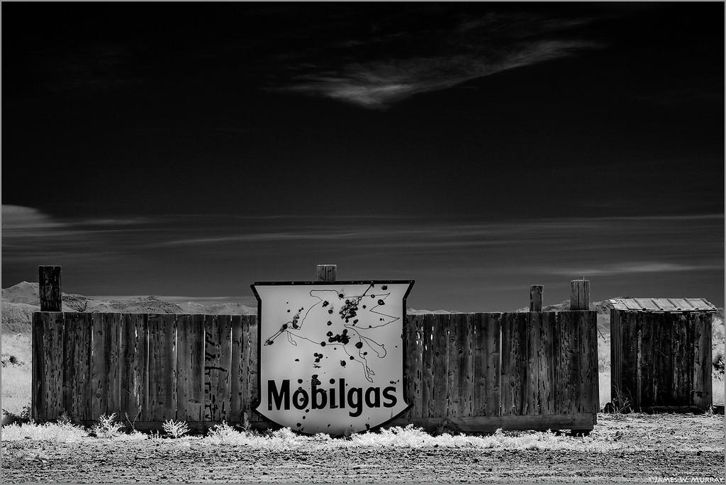 MobilGas, Outhouse, near Gerlach, Nevada .... [7D.IR.2017.8026]