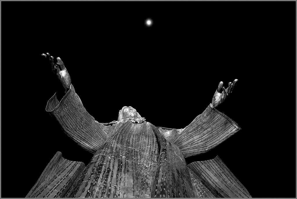 <center><i>Mary Beholding</i>, #3701-7D</center>