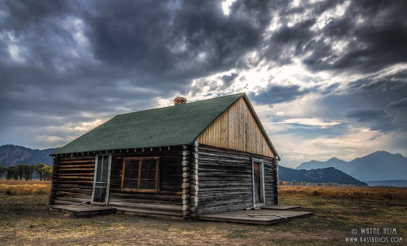 Line Cabin   Photography by Wayne Heim