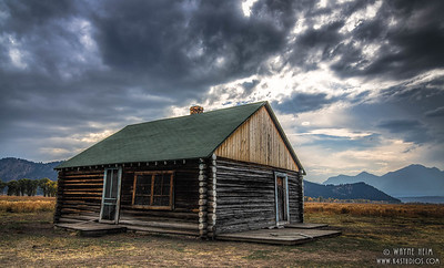 Line Cabin   Photography by Wayne Heim