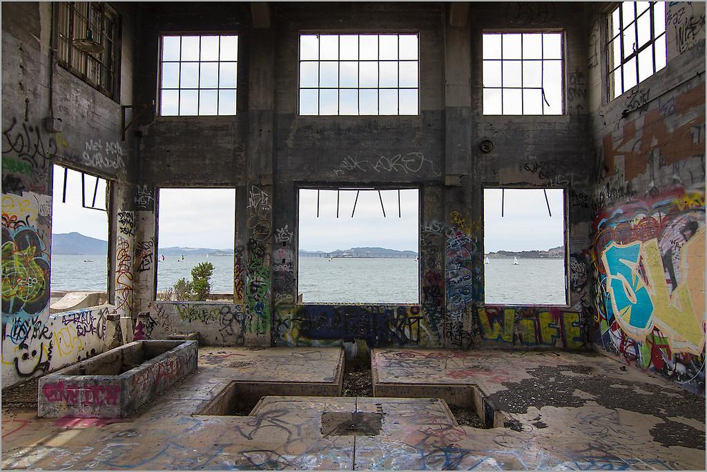 <center>iWife, Point Richmond Interior,  </i></center>#3101-7D