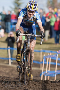Georgia Gould of Fort Collins, CO (#6) (Luna Pro Team) did what she could but ended up 2nd place in the Elite Women's category during the USA Cycling Cyclo-Cross Nationals in Bend Oregon on December 12, 2010.