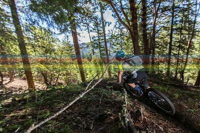 Yuri Hauswald rides down into the Ashland Valley
