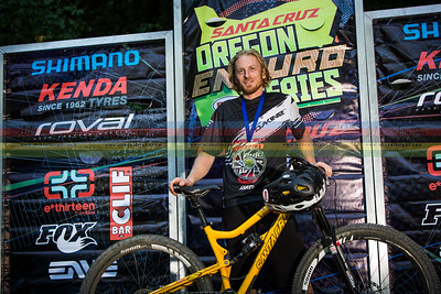 Pro Men winner Nathan Riddle with his Santa Cruz Tallboy LT