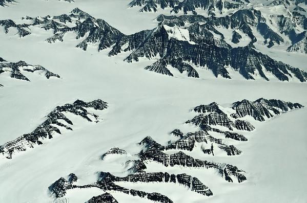 Ejnar Mikkelsens Fjeld, Kronborg Glacier, Kong Christian den IX Land, 68-69° N, 30-28° W