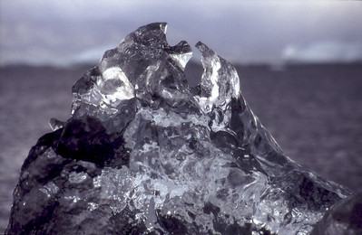 Icebergs melt - and form fantasy shaped jewelery
