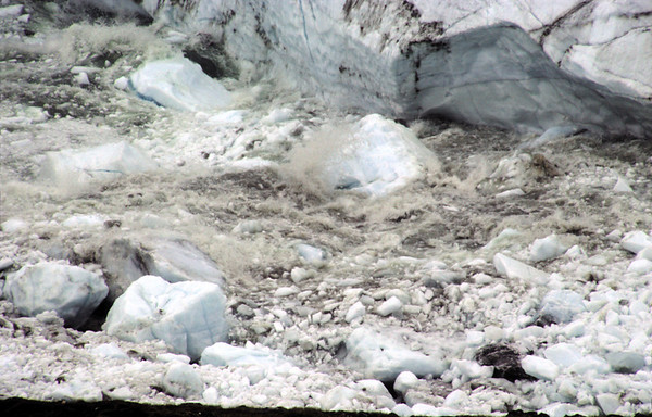 Collapsing ice face at the Inland ice edge causes melt river congestion, Nuqssuaq
