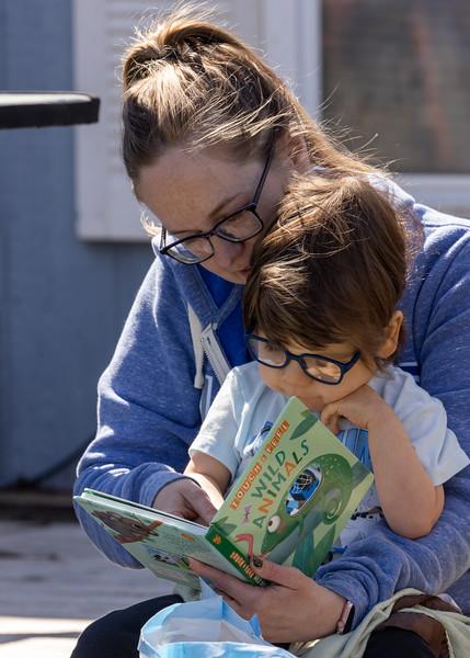 Davis loves to read-2