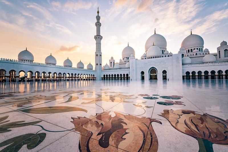 Sheikh Zayed Mosque at Sunset
