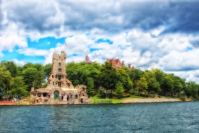 Alster Tower with Boldt Castle