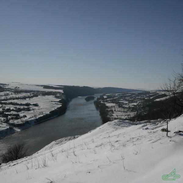 Заліщики 2013, березень, 24. В долині, справа - Печорна; зліва - Кострижівка