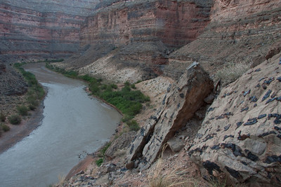 Block of concentrated chert stand sentinel over the river.