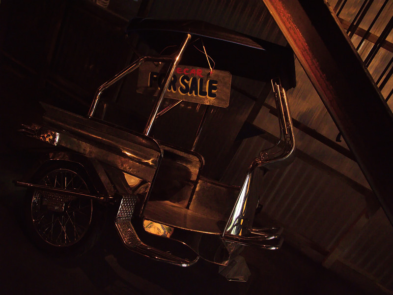 Taxis, Tricycles et Sidecars bâchés handmade.