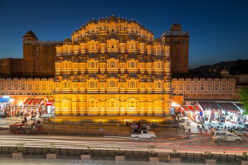 Hawa Mahal (Palace of the Winds) in central Jaipur at night