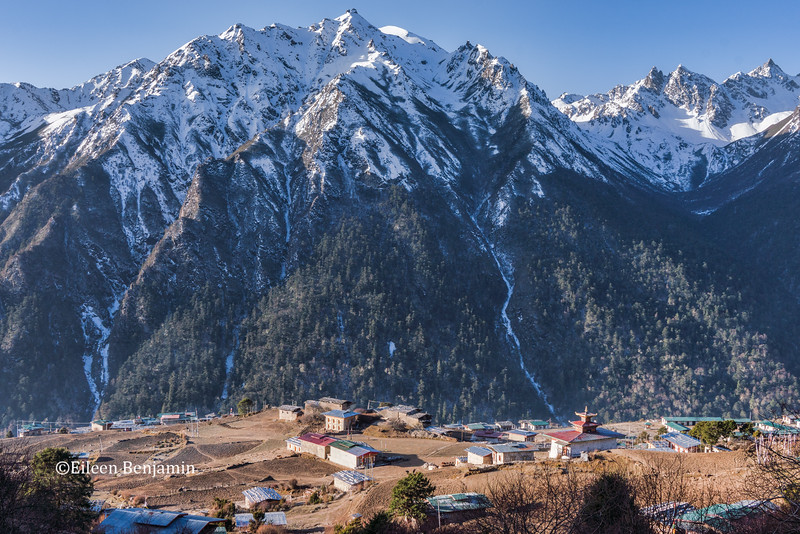 Laya village with Himalayan mountain in back
