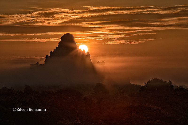Sunrise at Shwesandaw Pagoda - Bagan