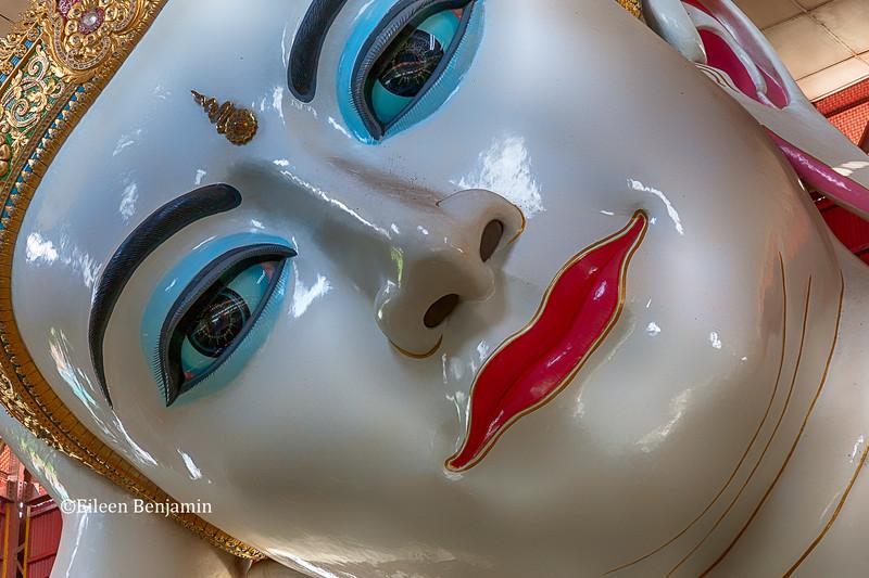 Reclining Buddha, Chaukhtatgyi Paya -Yangon, Burma