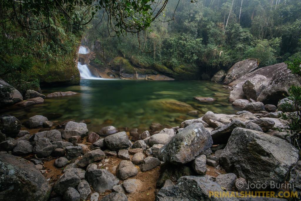 "Lake and fall among the rocks """"Poço da Maromba"""