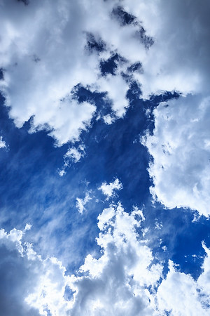 Deep blue sky and summer cloud formation