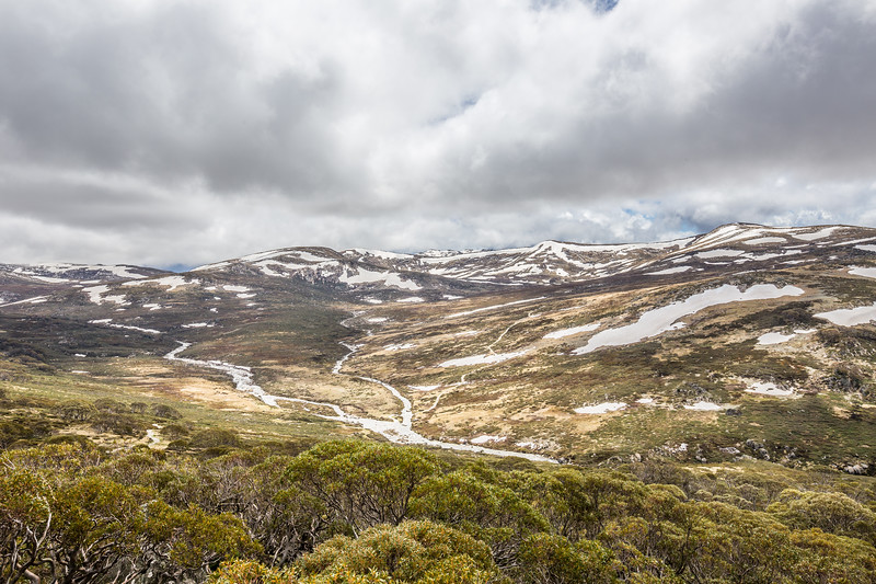 The view from Charlotte Pass Lookout. One of the mountains on the left is Mount Kosciuszko, the tallest peak in Australia. Its not much taller than the surrounding mountains and is only about 300m higher than where I was.