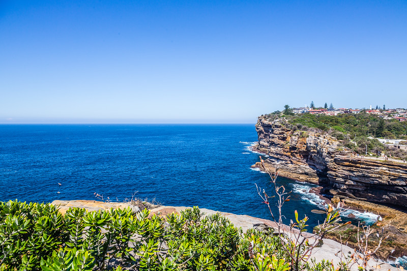 The cliffs on the sea side of Watsons Bay on the southern side of the entrance to Sydney Harbour. Another nice hot day with barely a cloud in the sky.