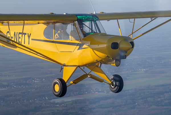Close formation with PA-18-150 Piper Super Cub