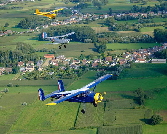 PA-18-150, Stampe SV-4 and Broussard formation over Flanders