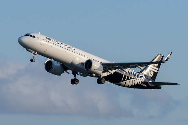 MMPI_20200202_MMPI0063_0060 - Air New Zealand Airbus A321-271NX ZK-NNG as flight NZ734 climbs after takeoff from Brisbane (YBBN) bound for Auckland (NZAA).