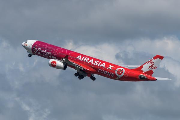 MMPI_20200216_MMPI0063_0065 - AirAsia X Airbus A330-343 9M-XXA as flight D7201 climbs after takeoff from Gold Coast Airport (YBCG) bound for Kuala Lumpur (WMKK).
