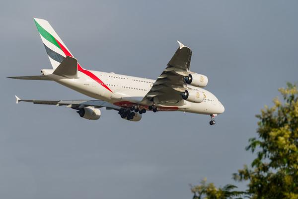 MMPI_20191103_MMPI0054_0005 - Emirates Airbus A380-842 A6-EVD .