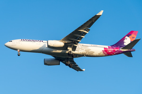 "MMPI_20200215_MMPI0063_0040 - Hawaiian Airlines Airbus A330-243 N361HA ""Hoku Mau"" as flight HA443 on approach to Brisbane (YBBN) ex Honolulu (PHNL)."