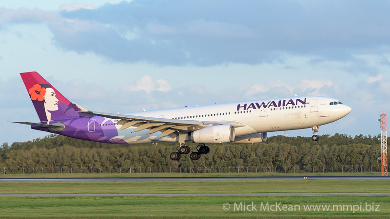 MMPI_20200229_MMPI0063_0064 - Hawaiian Airlines Airbus A330-243 N392HA as flight HA443 on approach to Brisbane Airport (YBBN) ex Honolulu (PHNL).