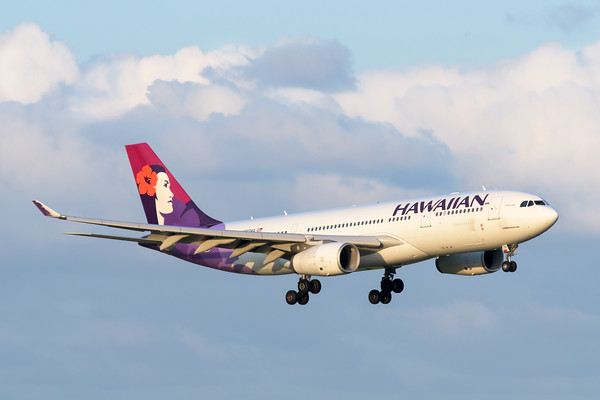 MMPI_20200229_MMPI0063_0061 - Hawaiian Airlines Airbus A330-243 N392HA as flight HA443 on approach to Brisbane Airport (YBBN) ex Honolulu (PHNL).