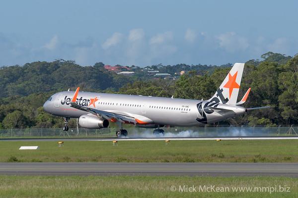 MMPI_20200216_MMPI0063_0019 - Jetstar Airbus A321-231 VH-VWQ as flight JQ430 touches down at Gold Coast Airport (YBCG) ex Melbourne (YMML).
