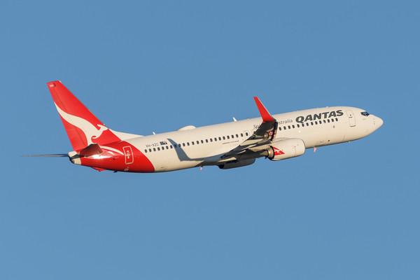 "MMPI_20200715_MMPI0063_0019 - Qantas Boeing 737-838 VH-XZC ""Walwa"" as flight QF541 takes off from Brisbane (YBBN) en route for Sydney (YSSY)."