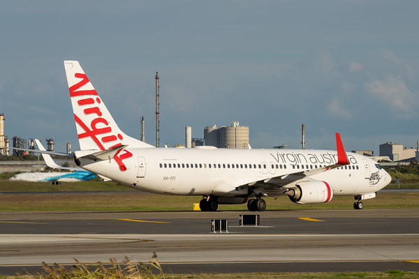 _7R40239 - Virgin Australia Boeing 737-8FE VH-YFI as flight VA612 taxiing after landing at Brisbane (YBBN) from Mackay (YBMK).