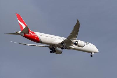 MMPI_20191103_MMPI0054_0019 - Qantas Boeing 787-9 Dreamliner VH-ZNC .
