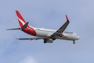MMPI_20191103_MMPI0054_0024 - Qantas Boeing 737-838 VH-VXH .