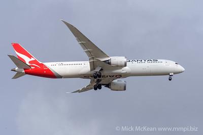 MMPI_20191103_MMPI0054_0018 - Qantas Boeing 787-9 Dreamliner VH-ZNC .