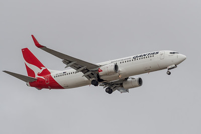MMPI_20191103_MMPI0054_0023 - Qantas Boeing 737-838 VH-VXH .
