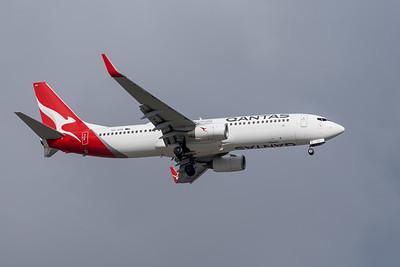 MMPI_20191103_MMPI0054_0021 - Qantas Boeing 737-838 VH-VZK .
