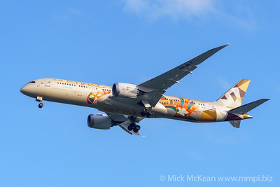 "MMPI_20200126_MMPI0063_0008 - Etihad Airways Boeing 787-9 Dreamliner A6-BLT ""Choose Italy"" livery as flight EY484 on approach to Brisbane (YBBN) ex Abu Dhabi (OMAA)."